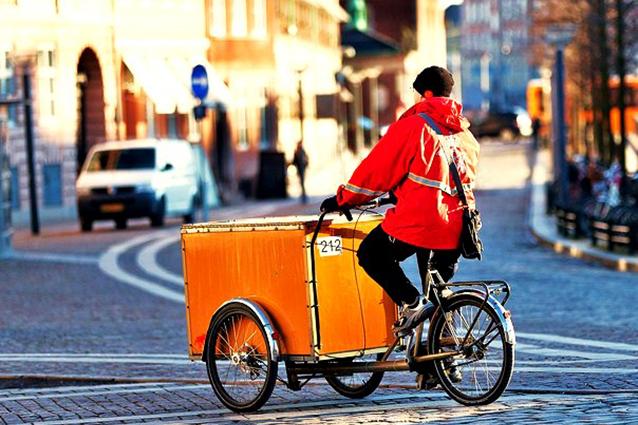 Amazon, a New York i pacchi saranno consegnati in bicicletta
