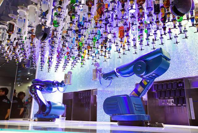 Quantum of the Seas, la nave da crociera dotata di barman robotici e tecnologie all'avanguardia