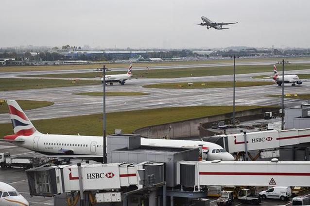 Londra, spazio aereo chiuso per possibile attacco hacker