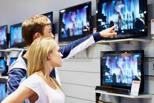 Gli italiani acquistano sempre meno televisori (e non dipende solo dalla crisi)
