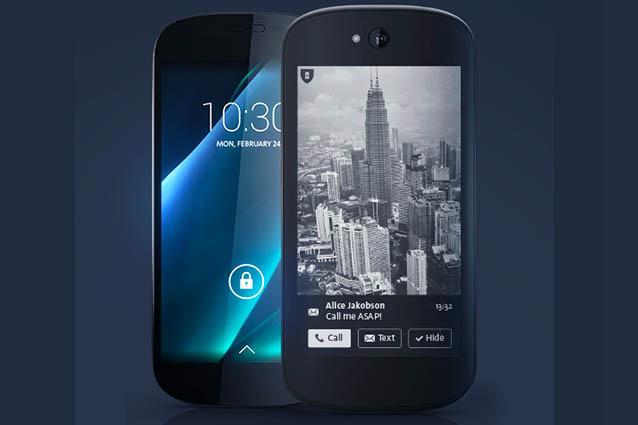 YotaPhone 2, lo smartphone con due schermi arriva in Italia [FOTO]