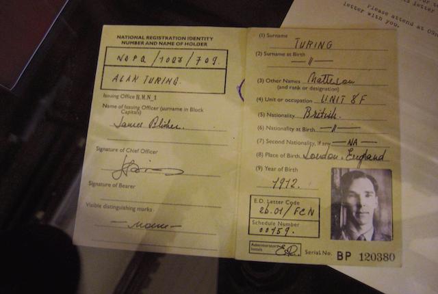 Alan Turing, il taccuino del matematico viene messo all'asta: vale 1,3 milioni di euro