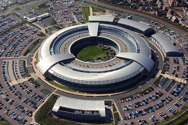 """Edward Snowden: """"I servizi segreti Uk spiavano anche i giornalisti"""""""