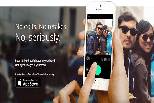 WhiteAlbum, l'app che trasforma l'iPhone in una macchina fotografica usa e getta